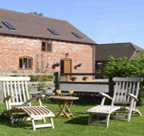 Phepson Farm Cottages Exterior